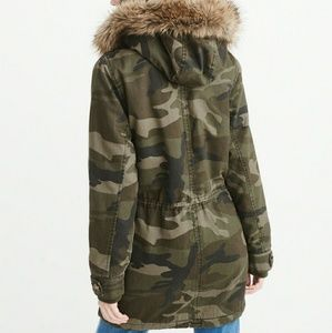 5ed5b372fc03d Abercrombie & Fitch Jackets & Coats - ⬇ $135 Abercrombie & Fitch  Sherpa-Lined